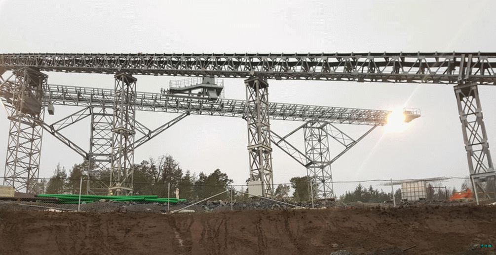 Specially constructed conveyors will carry rocks crushed down to pieces about 15cm in diameter to barges for transport.